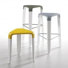 Picapau Hocker von Infiniti Design mit dreieckigem Sitz