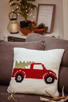 Crochet Stitches Patterns Farmhouse Truck Crochet Pillow - Free Pattern - Briana K Designs ~ Crochet For Beginners Blanket, Crochet Blanket Patterns, Crochet Stitches, Crochet Hooks, Crochet Baby, Free Crochet, Tunisian Crochet, Crochet Blankets, Hand Crochet