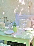 Schöne Farbe für Balkonmöbel oder auch im Garten natürlich