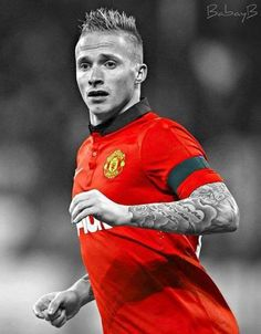 Alex Buttner He had Robben in his pocket all night ♥