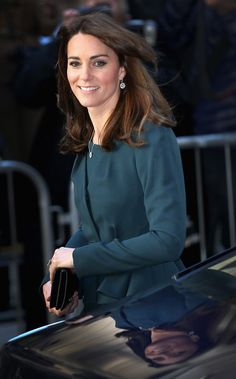 Browse 24311 high-quality photos of Kate Middleton in this socially oriented mega-slideshow.  Updated: December 09, 2015.