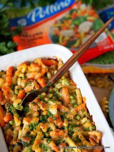 zapiekanka-makaronowa-z-kurczakiem-i-mieszanka-warzyw Low Calorie Breakfast, Quiche, Food And Drink, Dinner, Cooking, Recipes, Asia, Foods, Diet