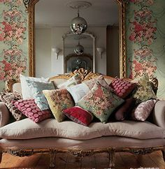 Presents for you the best designs about shabby-chic living room ideas; farmhouse style, rustic, simple, romantic, etc. French Country Living Room, Shabby Chic Living Room, Shabby Chic Furniture, Country French, French Living Rooms, Painted Furniture, Bedroom Furniture, French Decor, French Country Decorating