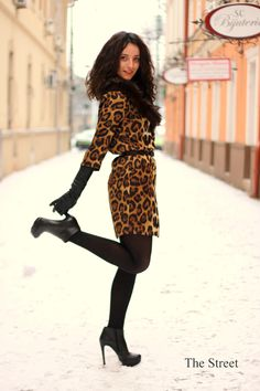 Animal print dress!    http://the--street.blogspot.ro/2013/01/a-cougar-is-wondering-streets.html
