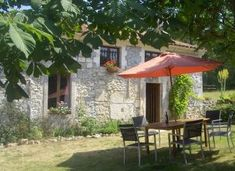 Long term lets in Dordogne, Nouvelle-Aquitaine, France. Les Rivieres - Cosy Gîte With Lovely Views for rent. Discounted rates on Rent a Place in France Cosy, Terrace, Gazebo, Outdoor Structures, Patio, France, Let It Be, Outdoor Decor, Balcony