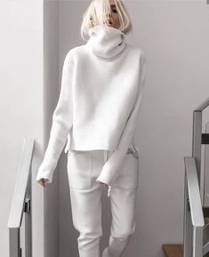 Brief High Collar Long Sleeve Pure Colour Loose Sweater - Kleidung - Sweaters White Fashion, Look Fashion, Autumn Fashion, Fashion Beauty, Classic Fashion, Beauty Style, Trendy Fashion, Hair Beauty, Style Année 80