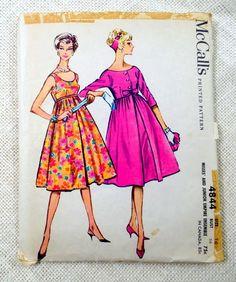 Petite Fashion Tips .Petite Fashion Tips Dress Making Patterns, Vintage Dress Patterns, Vintage Style Dresses, Clothing Patterns, Vintage Outfits, Vintage Clothing, Seventies Fashion, Retro Fashion, Vintage Fashion
