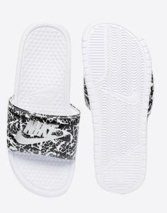 d92f4e578f3c87 Enlarge Nike Benassi Print White Slider Sandals Nike Slides For Girls