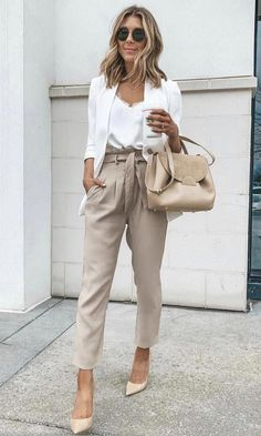 Cute Summer Work Outfit with Polene Bag - Casual Summer Outfits Stylish Winter Outfits, Summer Work Outfits, Casual Work Outfits, Curvy Outfits, Mode Outfits, Work Casual, Outfit Work, Casual Attire, Summer Work Clothes