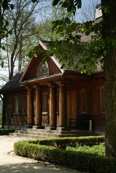 drewniane dwory - Szukaj w Google Mansions Homes, Cabins And Cottages, Arte Popular, Beautiful Places In The World, Warm And Cozy, My Dream Home, Poland, Wooden Houses, Manor Houses