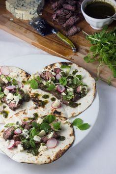Balsamic Skirt Steak Tacos with Blue Cheese and Chimichurri - Castello USA Dinner Party Recipes, Dinner Entrees, Entree Recipes, Mexican Food Recipes, Dinner Ideas, Healthy Recipes, Skirt Steak Tacos, Grilled Skirt Steak, Blue Cheese Recipes