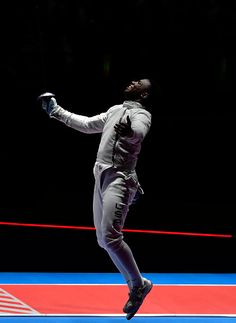 #TOPSHOT USA's Daryl Homer celebrates after beating Iran's Mojtaba Abedini in their men's individual sabre semifinal bout as part of the fencing event...