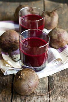 Punajuuri-omena-mustikkasmoothie