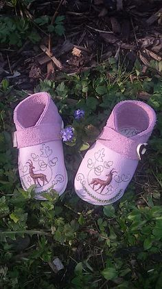die Inge: Tracht ist INN Baby Shoes, Leather, Clothes, Fashion, Great Love, Elves, Stone, Hand Crafts, Breien