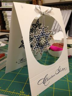 Stampin' up! Festive flurry  perfect card to send crochet snowflakes in the mail