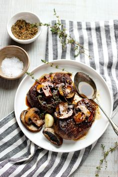 Learn how to cook the perfect Skillet Filet Mignon in Mushroom Sauce. This recipe will teach you the basics to make the BEST Filet Mignon! Cast Iron Filet Mignon, Filet Mignon Steak, Steak Recipes, Sauce Recipes, Rum Recipes, Skillet Recipes, Best Filet Mignon Recipe, Cast Iron Recipes, Stuffed Mushrooms