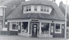 sigarenwinkel de bruin het hoekje  bleeklaan 1968 Historisch Centrum Leeuwarden - Beeldbank Leeuwarden