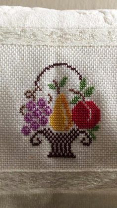 1 million+ Stunning Free Images to Use Anywhere Butterfly Cross Stitch, Cross Stitch Rose, Simple Cross Stitch, Cross Stitch Flowers, Cross Stitch Embroidery, Easy Cross Stitch Patterns, Crochet Stitches Patterns, Free To Use Images, Filet Crochet