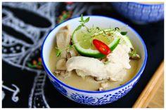 Ecco una saporita ricetta della cucina tailandese, dove si ritrovano gli ingredienti tipici di questa cucina: il latte di cocco, lo zenzero e il lemon-grass Thai Recipes, Asian Recipes, Hummus, Mashed Potatoes, Food And Drink, Ice Cream, Vegan, Desserts, 3