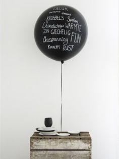 Dit is toch altijd een feestje!!! schrijven op een ballon