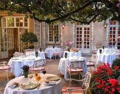 Güzel bir Kafeterya  &  Ein Schone Cafeterja