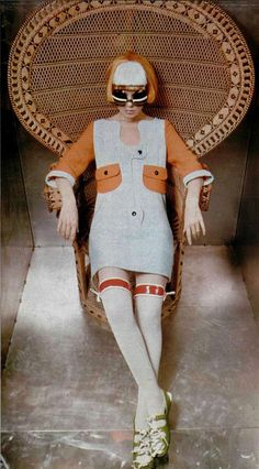 Model in short dress with u-shaped neck, pockets and sleeves are in apricot, by Courrèges, photo by Jean-Louis Guégan, 1970 Vintage Street Fashion, 60s And 70s Fashion, Mod Fashion, Womens Fashion, Gothic Fashion, Lauren Hutton, Space Fashion, Fashion Design, Vintage Outfits
