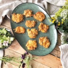 Lavkarbo middag – Katrine Stenhjem Palak Paneer, Granola, Eggs, Breakfast, Ethnic Recipes, Food, Morning Coffee, Meal, Muesli