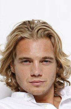 30 Sexy Blonde Hairstyles for Men in 2020 - The Trend Spotter Mens Hairstyles Blonde, Wavy Hair Men, Blonde Wavy Hair, Blonde Guys, Blonde Balayage, Summer Hairstyles, Men's Hairstyles, Long Hairstyles For Men, Men's Haircuts