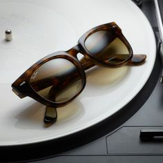 The 131 best SUNGLASSES images on Pinterest   Sunglasses, Oakley ... fb4070c651