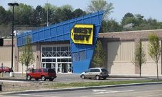 Electronics retailer Best Buy announced on Tuesday that its CEO and director Brian Dunn has resigned. Free Vouchers, Shopping Vouchers, Buy Bed, Save Yourself, Cool Things To Buy, Fair Grounds, Retail, Travel, Viajes