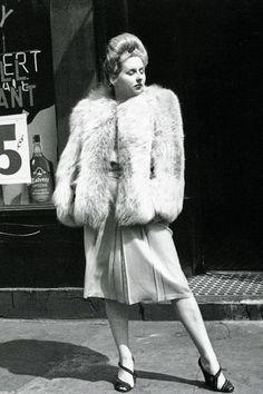hotography by Helen Levitt, New York c. 1943