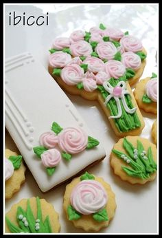 Custom decorated NZ cookies - Pink swirl rose bouquet - Perfect for Mothers Day| www.facebook.com/ibiccinz