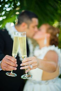 DRESS IT UP BUTTONS ~ CONGRATULATIONS ~ CHAMPERS ~ CHAMPAGNE FLUTES ~ BUBBLES
