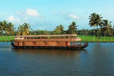beaches,backwaters,hill stations gives you a memorable tour in kerala.  bit.ly/keralatourspackage