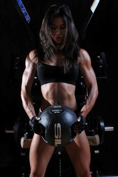 Do this intense, 8-part workout to build defined shoulders and arms