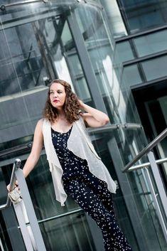 Portrait femme business Strasbourg, Formation Photo, Photos, Business, Pictures, Store, Business Illustration