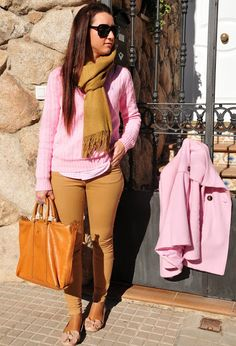 This outfit has some fall colors and textures of the brown pants and sweater-like scarf. Loovee it!♡