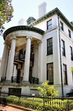 Philbrick-Eastman House (1847)  Chippewa Square, Savannah, Georgia