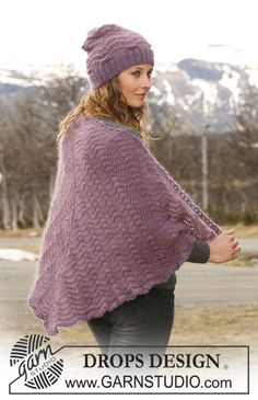 """Set comprises: Knitted DROPS hat and shawl with wavy pattern in """"Kid-Silk"""" and """"Alpaca"""". - Free pattern by DROPS Design Poncho Shawl, Knitted Poncho, Knitted Shawls, Drops Design, Knitting Patterns Free, Free Knitting, Free Pattern, Crochet Patterns, Magazine Drops"""