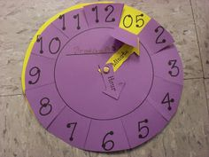 Great clock free template! Great for teaching counting in 5s first, then move on to time.