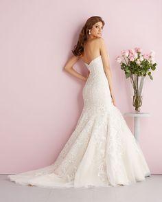 Allure Bridals: Style: 2709, in store Spring 2014, sample size 12-Bridal Boutique, Saint Joseph, Missouri 816-233-6946