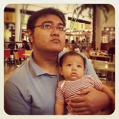 Like father like son..ngeliat apaan sih... - @Made Kumara- #webstagram