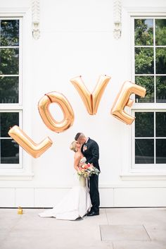 If you love Kate Spade as much as we do, then this next wedding inspiration is a total dream. Styled and Designed by JenEvents (