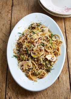 How to make Jamie's Sweet Leek Spaghetti Slow Cooker Recipes, Cooking Recipes, Healthy Recipes, Healthy Foods, Vegetarian Recipes Dinner, Dinner Recipes, Savoury Dishes, Pasta Dishes, Soul Food