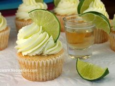 Margarita cupcakes = my favorite! Make these for a beach themed bridal shower. Instead of liquid tequila shots, top them off with margarita jello shots (using lime jello & tequila) Cupcake Recipes, Cupcake Cakes, Dessert Recipes, Cupcake Ideas, Cupcake Emoji, Cannoli Cupcake, Icing Cupcakes, Disney Cupcakes, Tea Parties