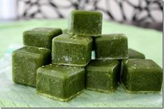 frozen spinach/kale cubes for smoothies ~ make smoothies faster and waste less greens by using them before they spoil