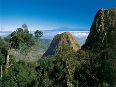 El Teide desde el Parque de Garajonay. Leyenda Gara y Jonay