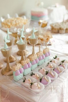 <br> Planning an under the sea mermaid theme party? Well, look no further for the most unique and fun ideas. Check out this party reveal and shop the look. Mermaid Party Food, Mermaid Birthday Cakes, Mermaid Party Decorations, Mermaid Parties, Birthday Party Decorations, Birthday Parties, Wedding Parties, Party Themes, Little Mermaid Cakes