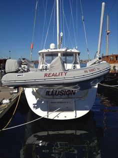 Funny Pictures Of The Day – 98 Pics Clever Boat Names, Funny Boat Names, Boat Pics, Boat Humor, Ship Names, Dump A Day, Funny Phrases, You Funny, Hilarious Stuff