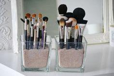 happygirl – manieren om je make-up op te ruimen – Girlscene What is Makeup ? What's Makeup ? Diy Makeup Organizer, Makeup Organization, Vintage Makeup, Sexy Make-up, Make Up Storage, Makeup Rooms, Make Up Collection, Beauty Room, My New Room